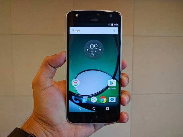 c64a27b9a Moto Z Play review  Almost perfect