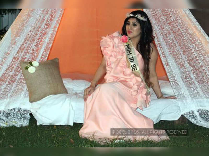 Yummy Mummies Vintage Decor And Yummy Mummies At This Baby Shower Events Movie News Times Of India