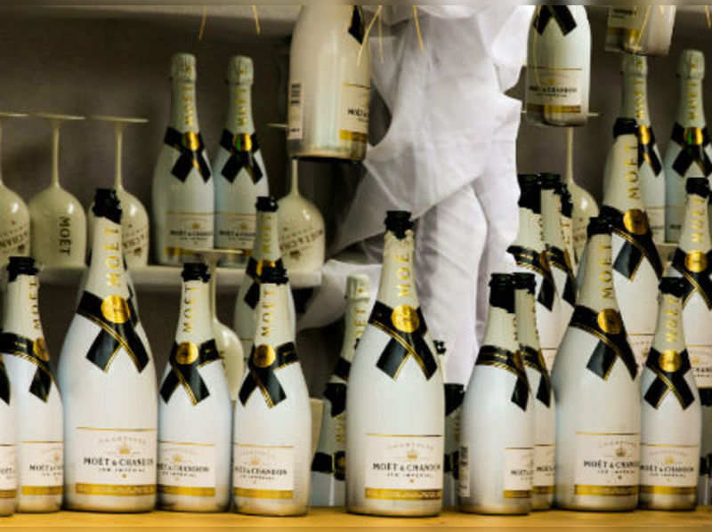6 Top Wines & Spirits to Gift this Diwali