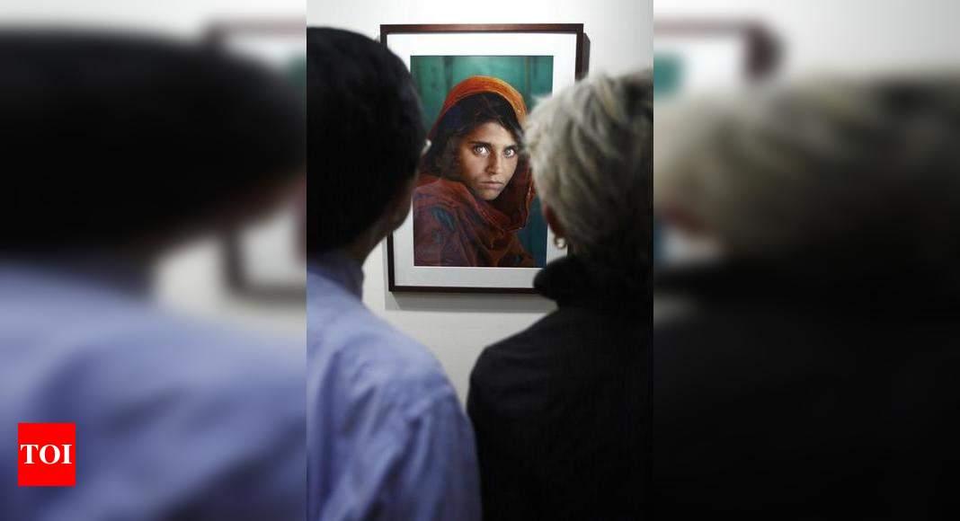 Pin by Patricia Korta on People: Women in Uniform   Afghan