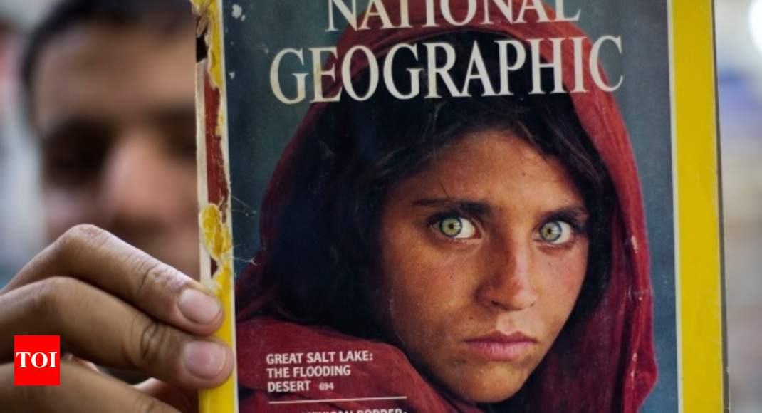 Steve Mccurry Afghan Girl Photographer McCurry Strongly Criticizes Her Arrest Enlists Help Of Human Rights Attorney