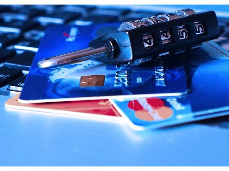 15 ways criminals steal money from your Debit/Credit cards