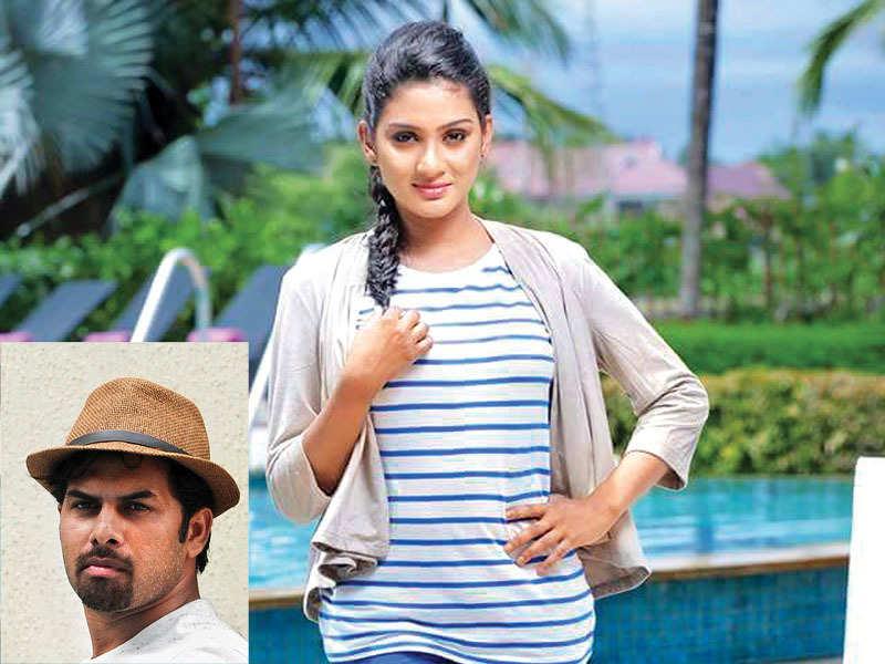 Sunny to romance Aditi Ravi in Alamara