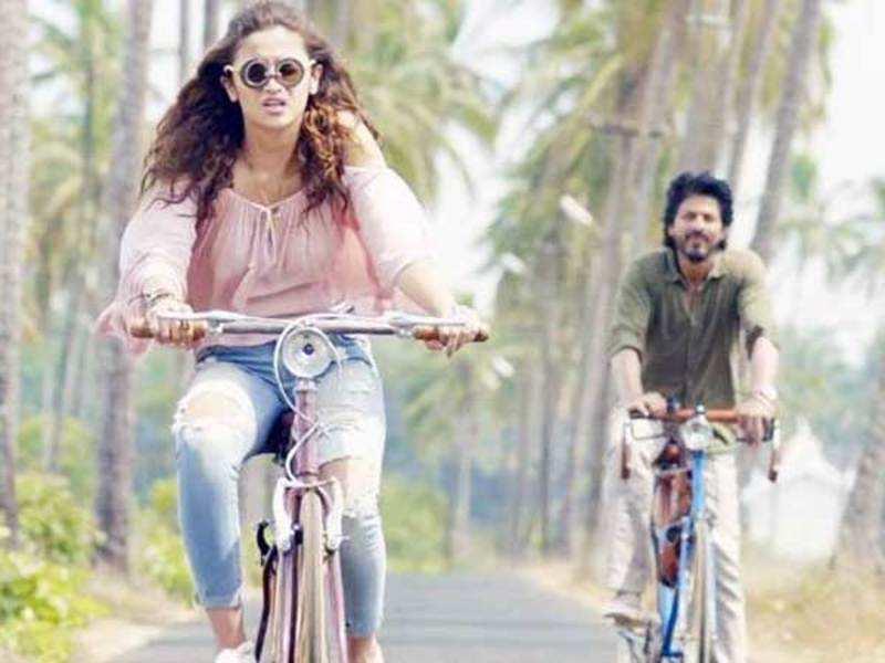 Dear Zindagi Review Shah Rukh Khan Alia Bhatt Starrer Strikes Right Chord With Film Fraternity Hindi Movie News Times Of India