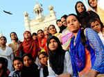 Women enter Haji Ali Dargah after 5 yrs