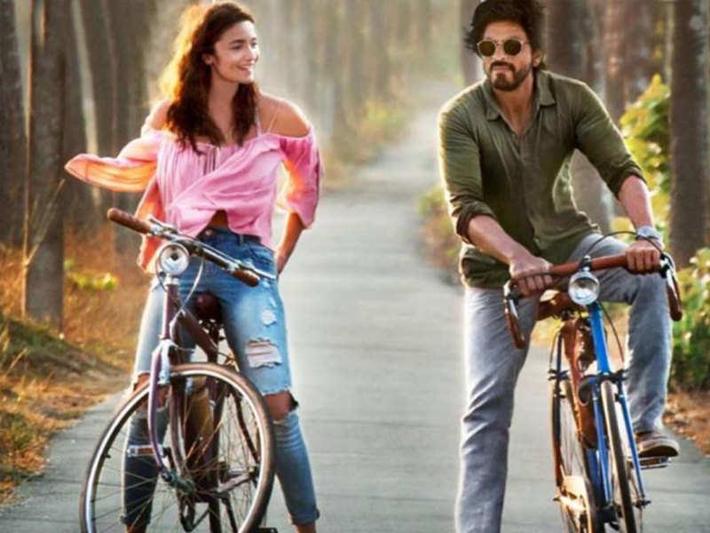 Dear Zindagi Box Office: 'Dear Zindagi' pedals past Rs 50 crore mark in domestic box-office, Rs 100 crore worldwide