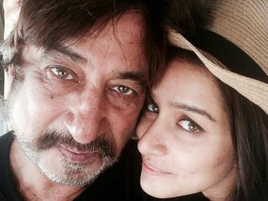 Did Shakti Kapoor drag Shraddha out of Farhan's house?