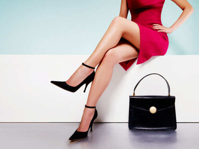 Woman with a handbag (Thinkstock)