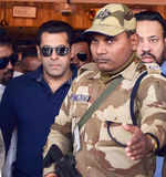 Salman Khan aquitted in arms act case