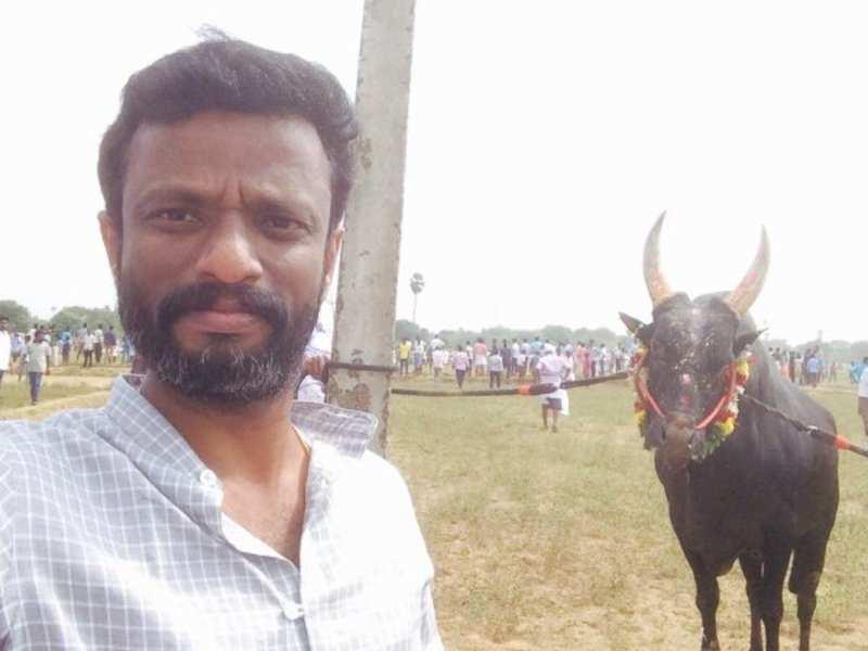 Pandiraj takes part in jallikattu event