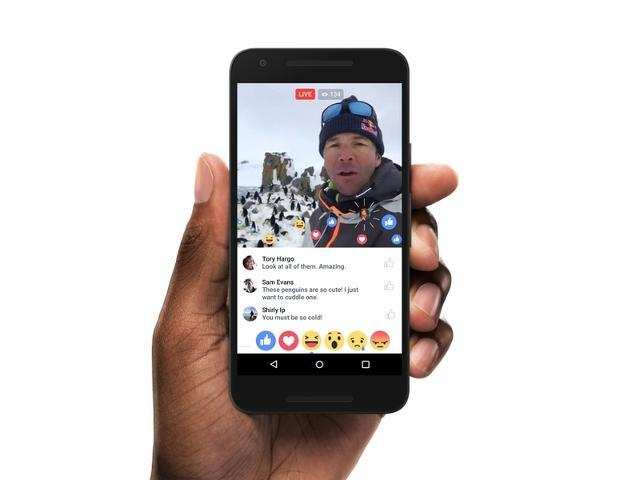 Facebook finally lets you shoot Live videos in landscape