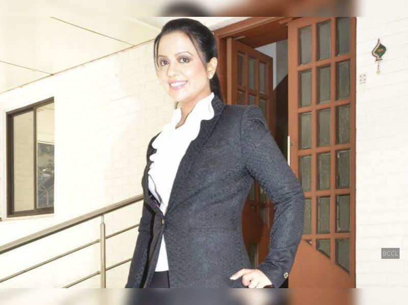 Amruta Fadnavis to walk the ramp with acid attack victors