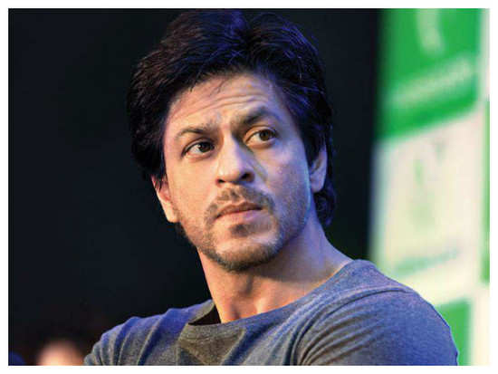 Shah Rukh Khan's behaviour towards a beggar will win your hearts!
