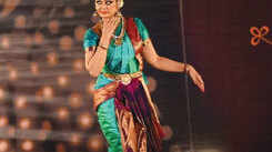 Bharatanatyam dancer Shobhana performance at Gaansaraswati festival