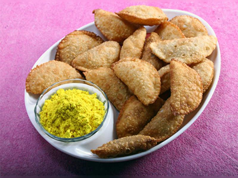 6 ways you can make Gujiya this Holi