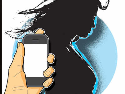 nude pics of girlfriend: Woman takes ex-girlfriend to court for