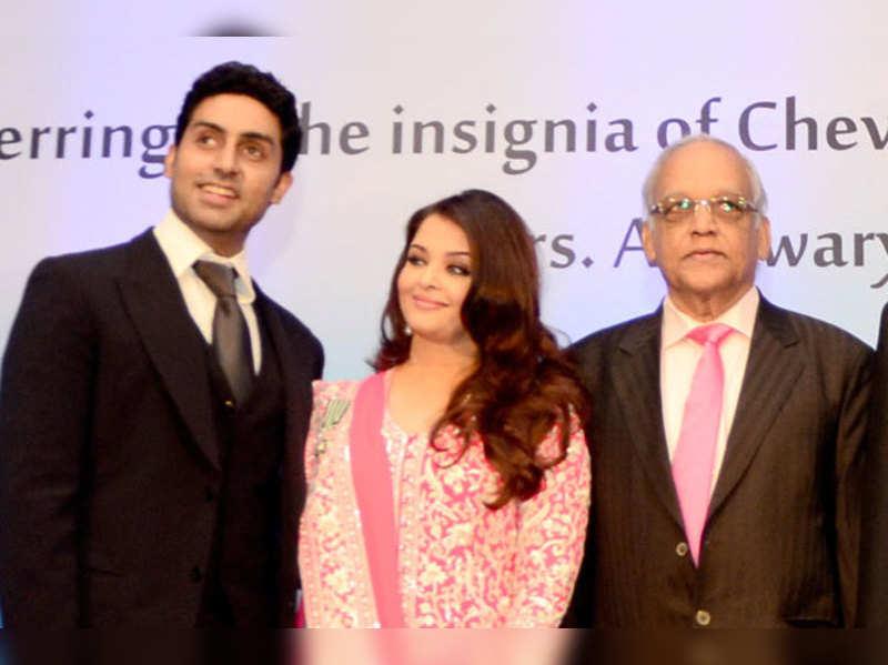 Abhishek Bachchan, Aishwarya Rai Bachchan and Krishnaraj Rai