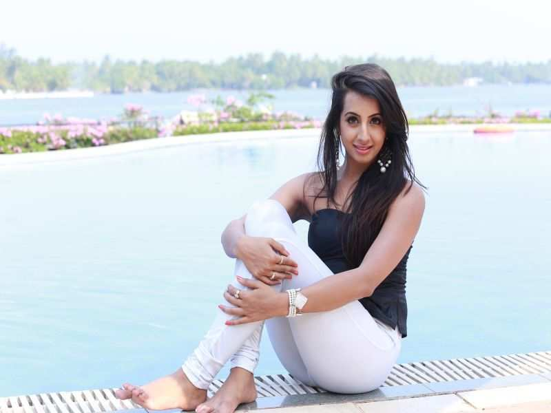 Sanjjanaa gives a glam twist to architecture