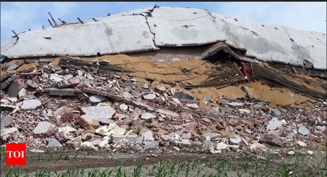 Cold Storage Building Collapse Four Dead 13 Injured In