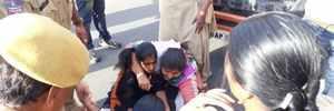Kerala CM's Hyderabad visit: ABVP activists stage protest