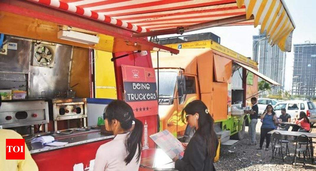 Maximum Sales From Students Of Nearby Colleges Noidas Food Truck
