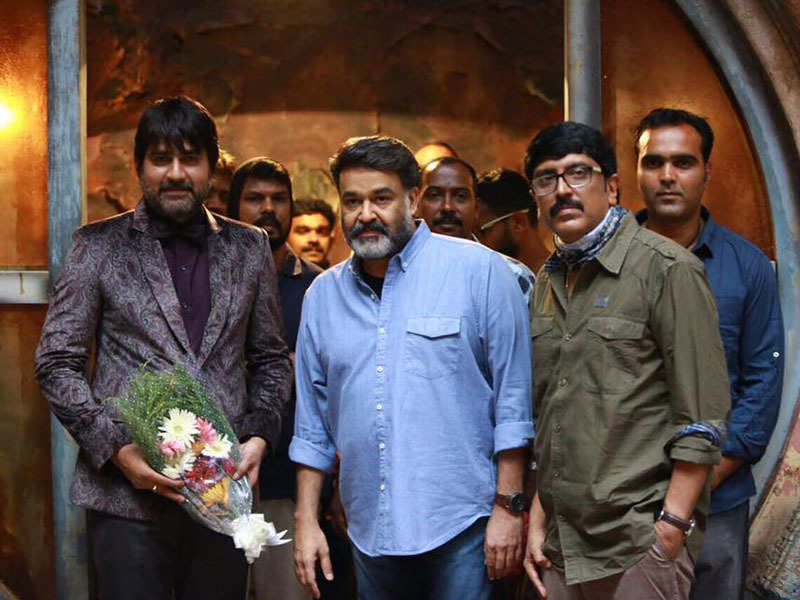 Mohanlal and team Villain gives a grand welcome to Telugu star Srikanth