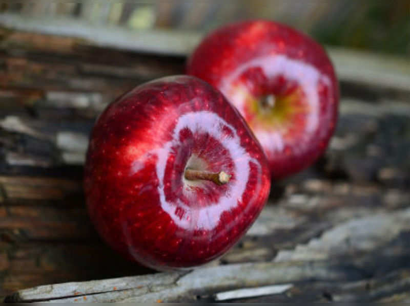 Can 'an apple a day keep the doctor away'?
