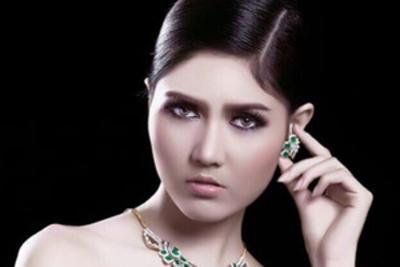 Zun Than Sin crowned Miss Universe Myanmar 2017