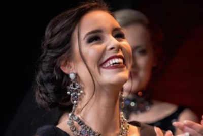 Kelly Van Den Dungen was crowned Miss Grand Netherlands 2017