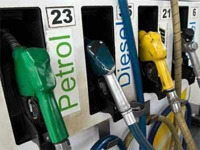 निजी वाहन चालकों को नहीं मिलेगा पेट्रोल डीजल