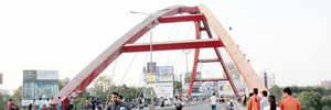 Moral police object to 'khullam-khulla pyar' on Ravet bridge