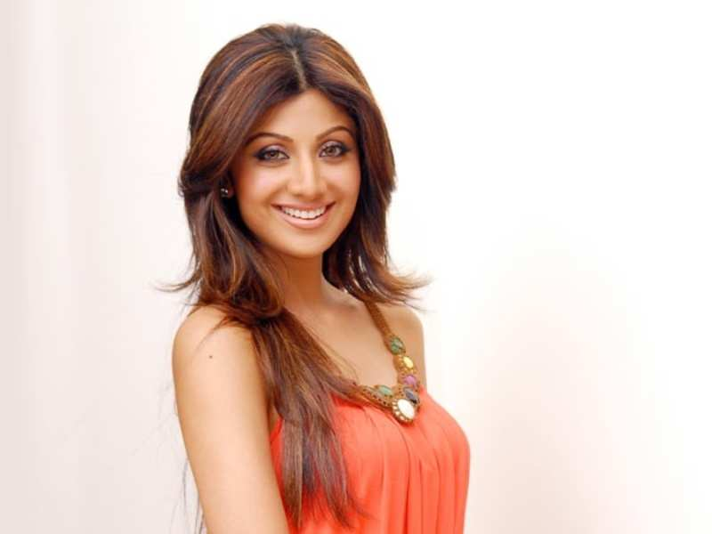 Shilpa Shetty shares yoga tips at an event in Jaipur