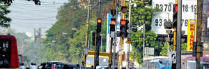 Syncing signals for traffic ease