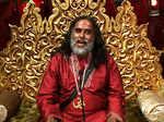 Swami Om's behaviour