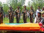 Army pays trubute to Ummer Fayyaz