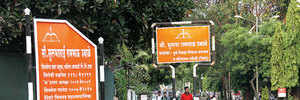 PCMC puts up signs in the middle of Nigdi footpaths
