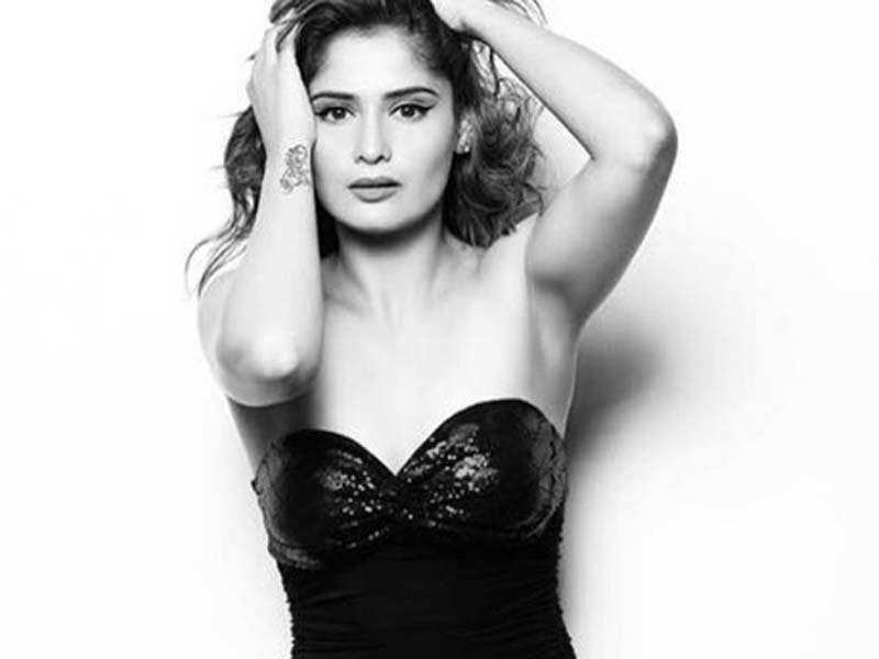 Arti Singh of Waaris impresses in a bold photo shoot