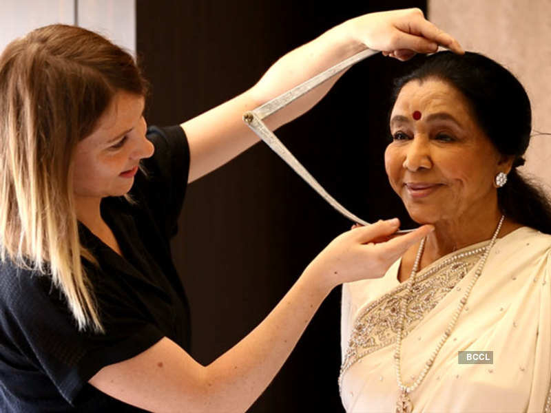 Asha Bhosle during a sitting at Madame Tussauds