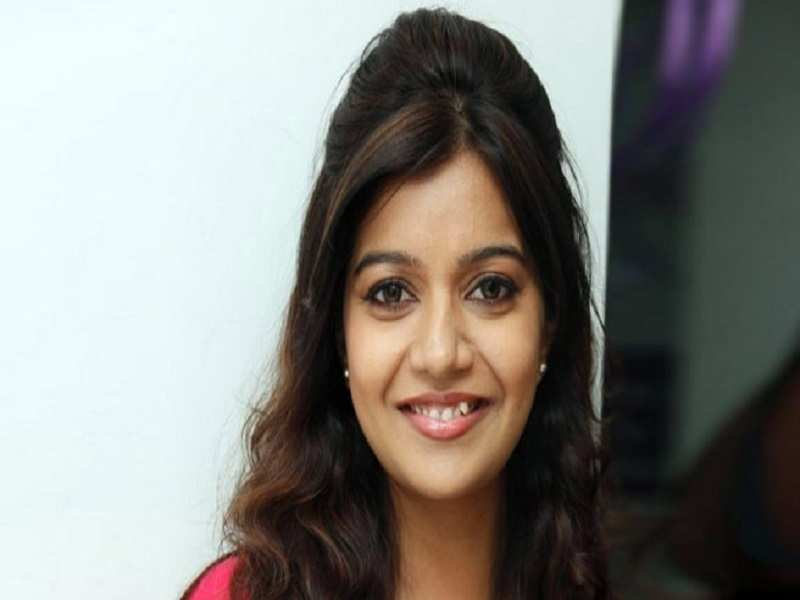 Swathi Reddy gets a pat from London Babulu maker Maruthi