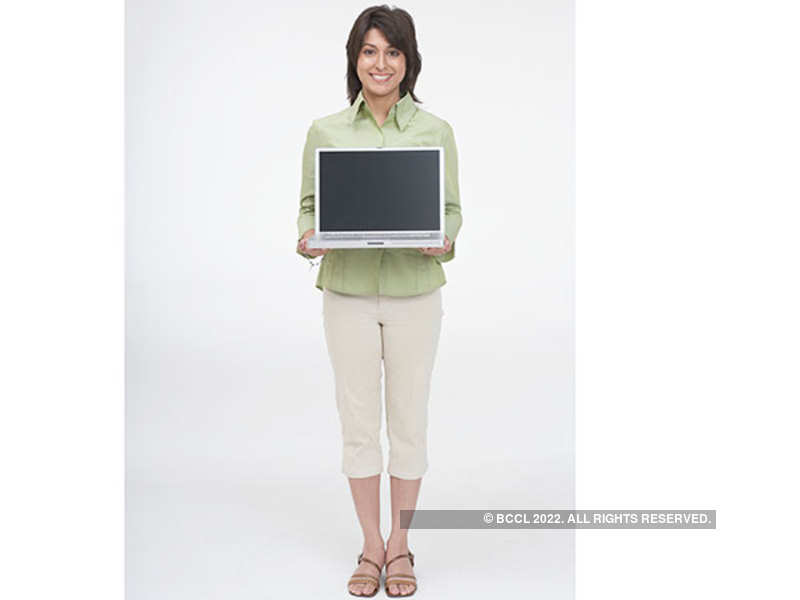 Look chic at work, in chinos (Thinkstock)