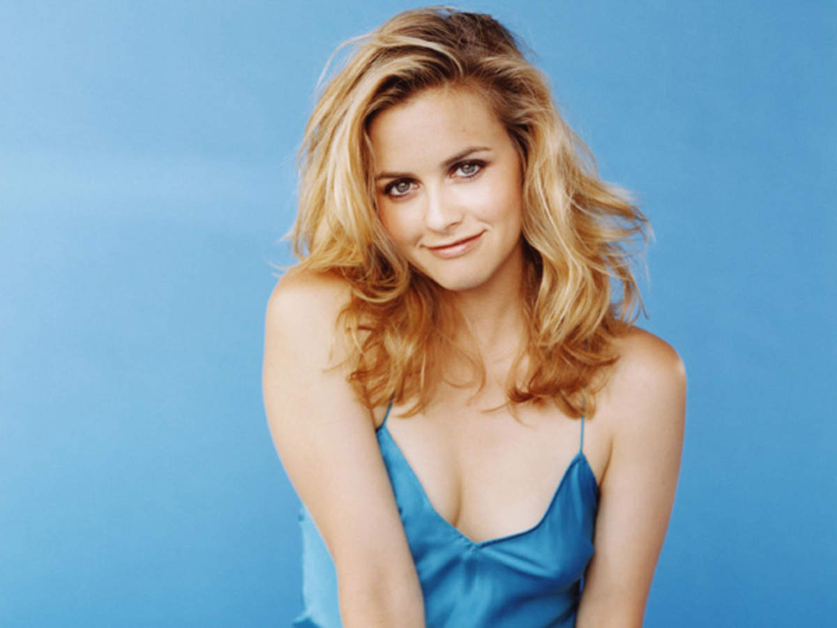 Alicia Silverstone Stardom Was Overwhelming After Clueless English Movie News Times Of India