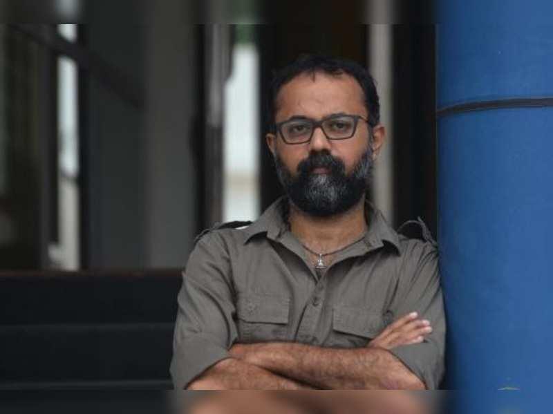 Prathi Poovankozhi is a satire based in Kottayam: Unni R