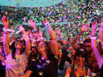 Umpteen fans cheer for British band Coldplay