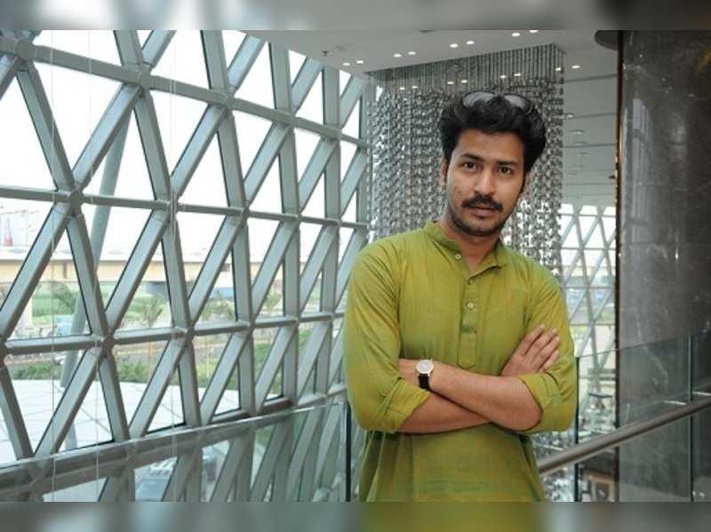 Anirban to play Byomkesh in web series