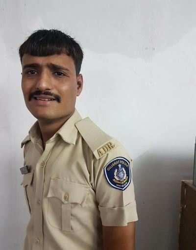 Impostor nabbed wearing police uniform | Ahmedabad News - Times of India