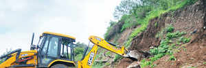 Mutha riverbed gets breather as PMC clears debris