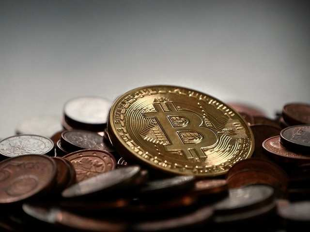 The lack of regulations, though, has cast a shadow over the bitcoin universe.