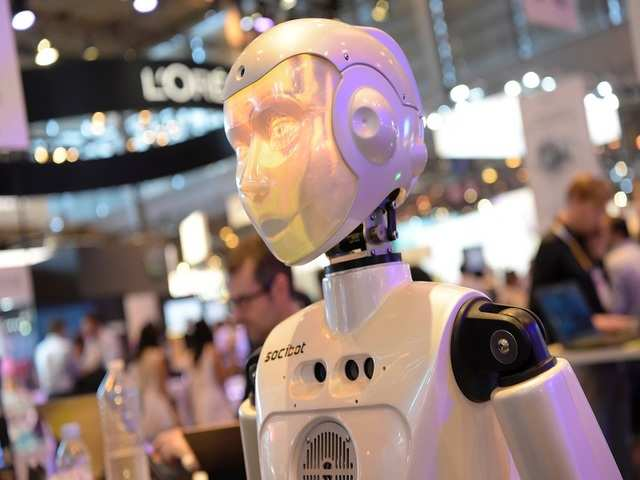 This robot can follow pedestrian traffic rules