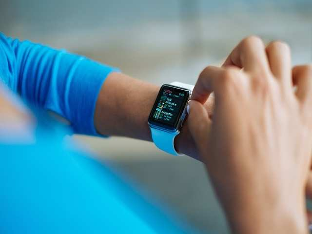 Future smartwatches will be able to better analyse and understand our activities by automatically discovering when we engage in some new type of activity.