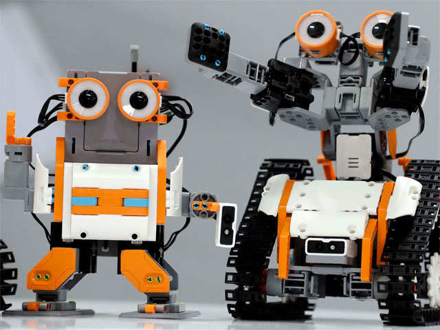New system allows robots to follow orders